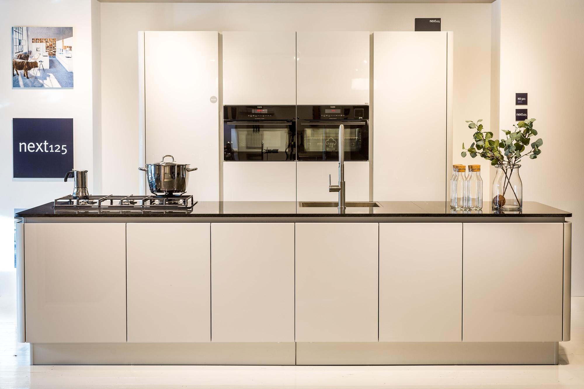 Moderne Greeploze Keuken : Concordia keuken bad keukens moderne greeploze keuken