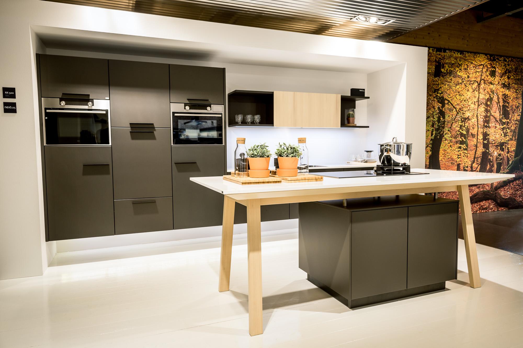 Strakke Design Keukens : Concordia keuken & bad keukens strakke design keuken next125
