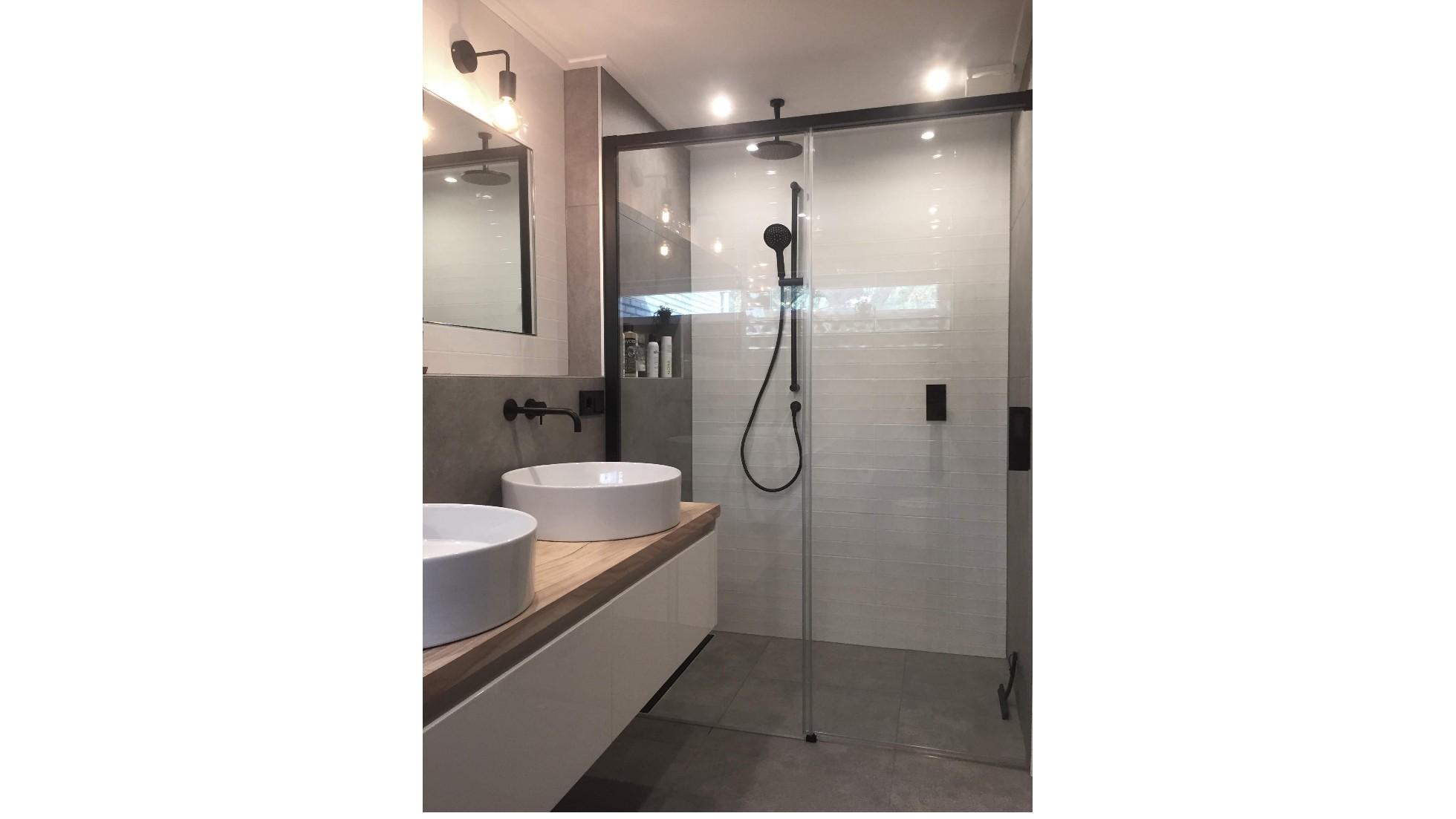Hoogte Werkblad Badkamer : Concordia keuken bad bij onze klanten warme industriële badkamer